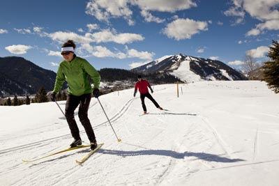 cross-country-skiers.jpg