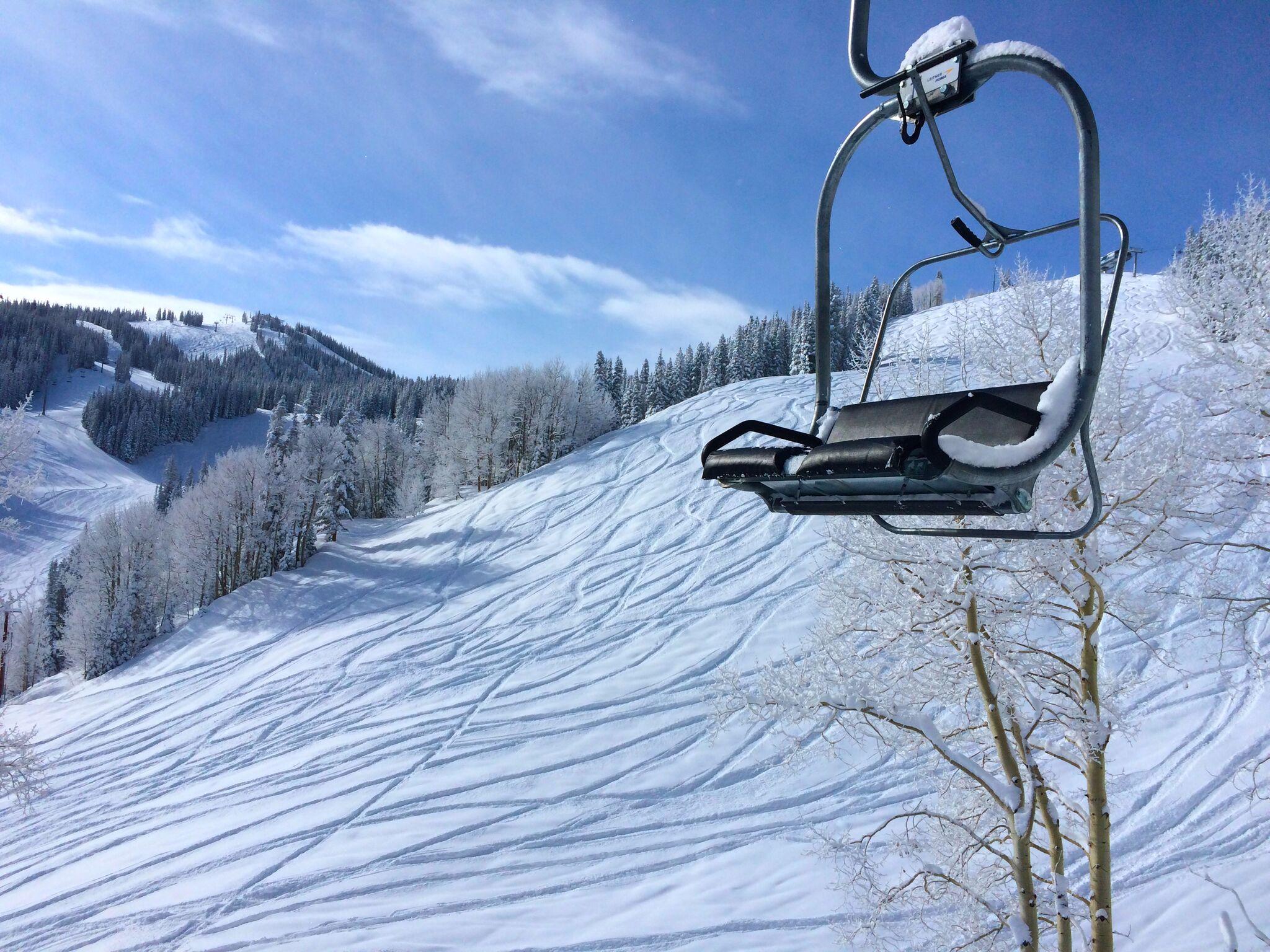 spring.snow.chairlift.Aspen.jpeg